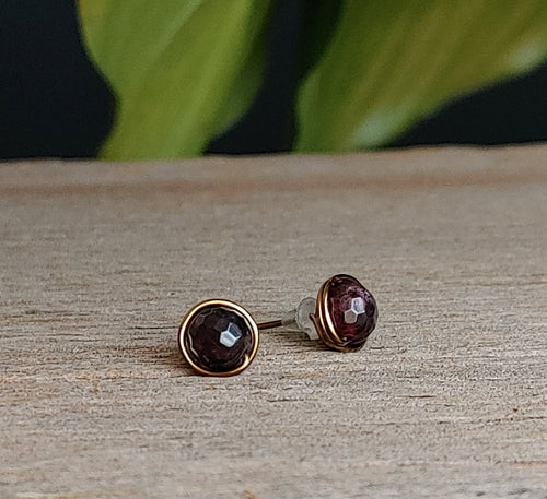garnet-stud-earrings-antique-brass-wire