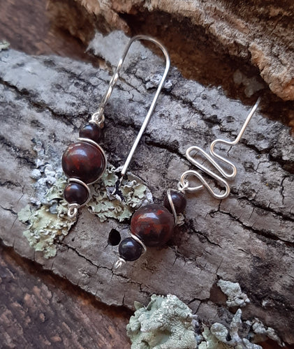 red jasper stone freestyle drop earrings jujus nature jewelry