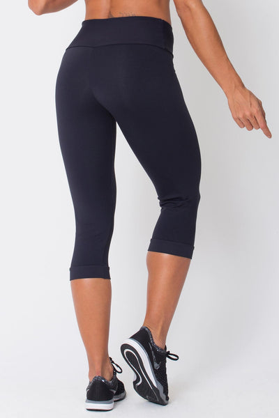 Bottoms Black Capri - Womens Activewear and Workout Clothes | RomanceUSA