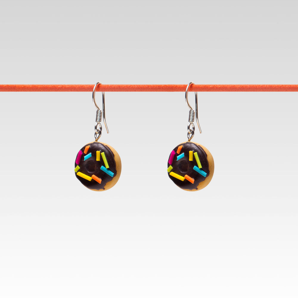 Yomi Yomi Dangle Earrings Chocolate rainbow sprinkle Doughnut
