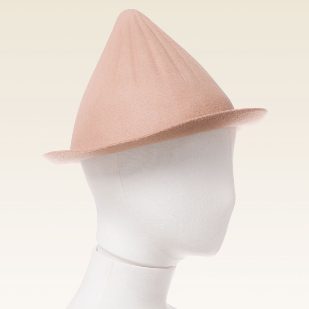 Wool Cone Hat Tan manenquin