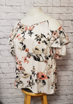 Floral Cold Shoulder Curvy Blouse