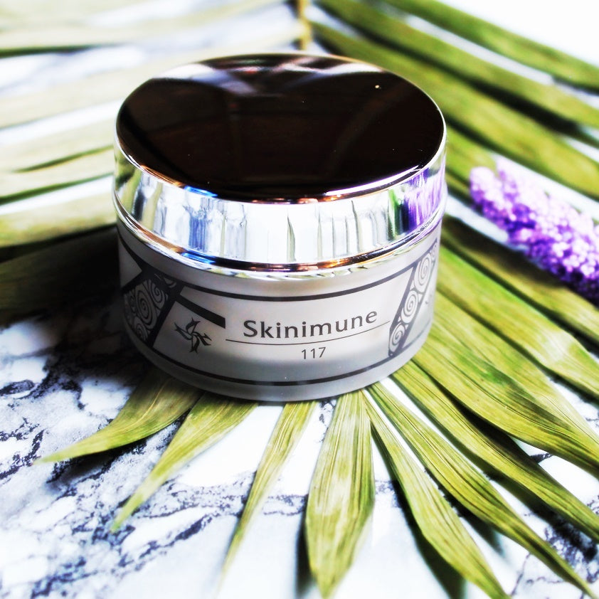 Discover the exclusivity of SKINIMUNE CREAM, formulated with a true immuno-modulator (INCI-SODIUM DNA) that interacts with skin on a cellular level, promoting cell longevity and giving skin the energy to repair, renew and protect itself. ⠀