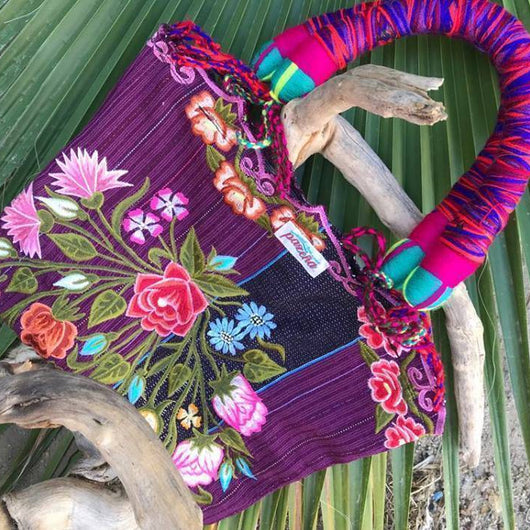 Gorgeous shoulder bag for carrying work files or errands made in Mexico