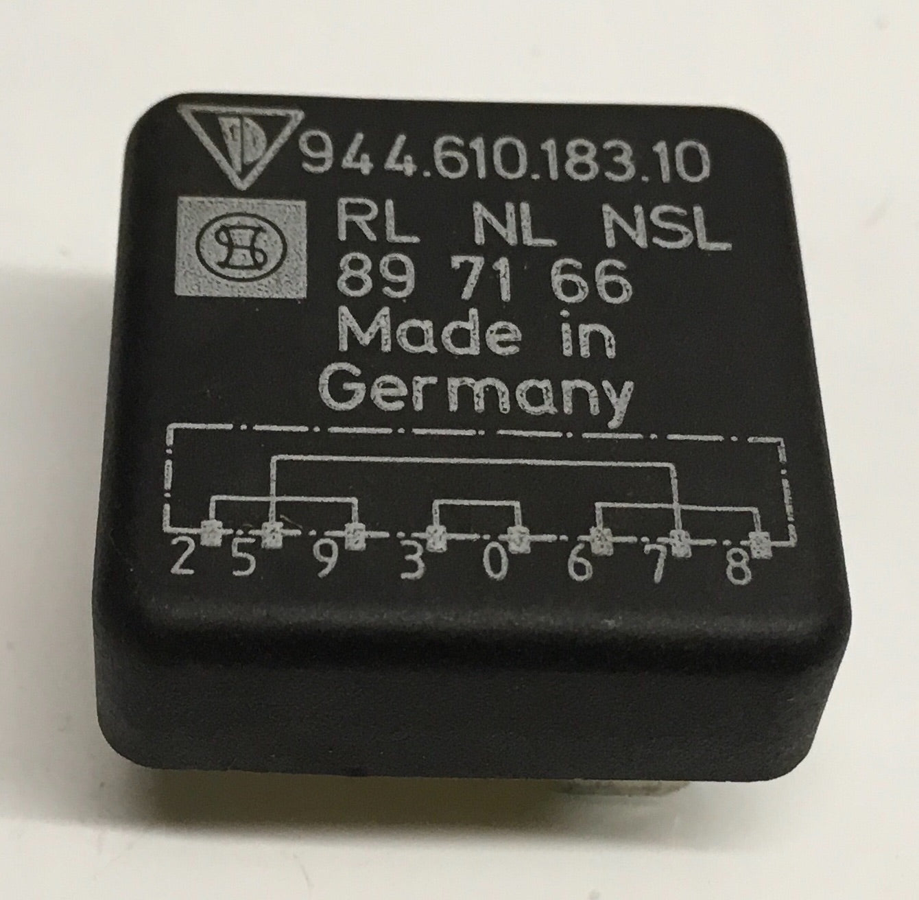Porsche 944 bridge adapter Relay 94461018310. 944 610 183 10. ((LB202A) - Woolies Workshop - Porsche 924 944 spares