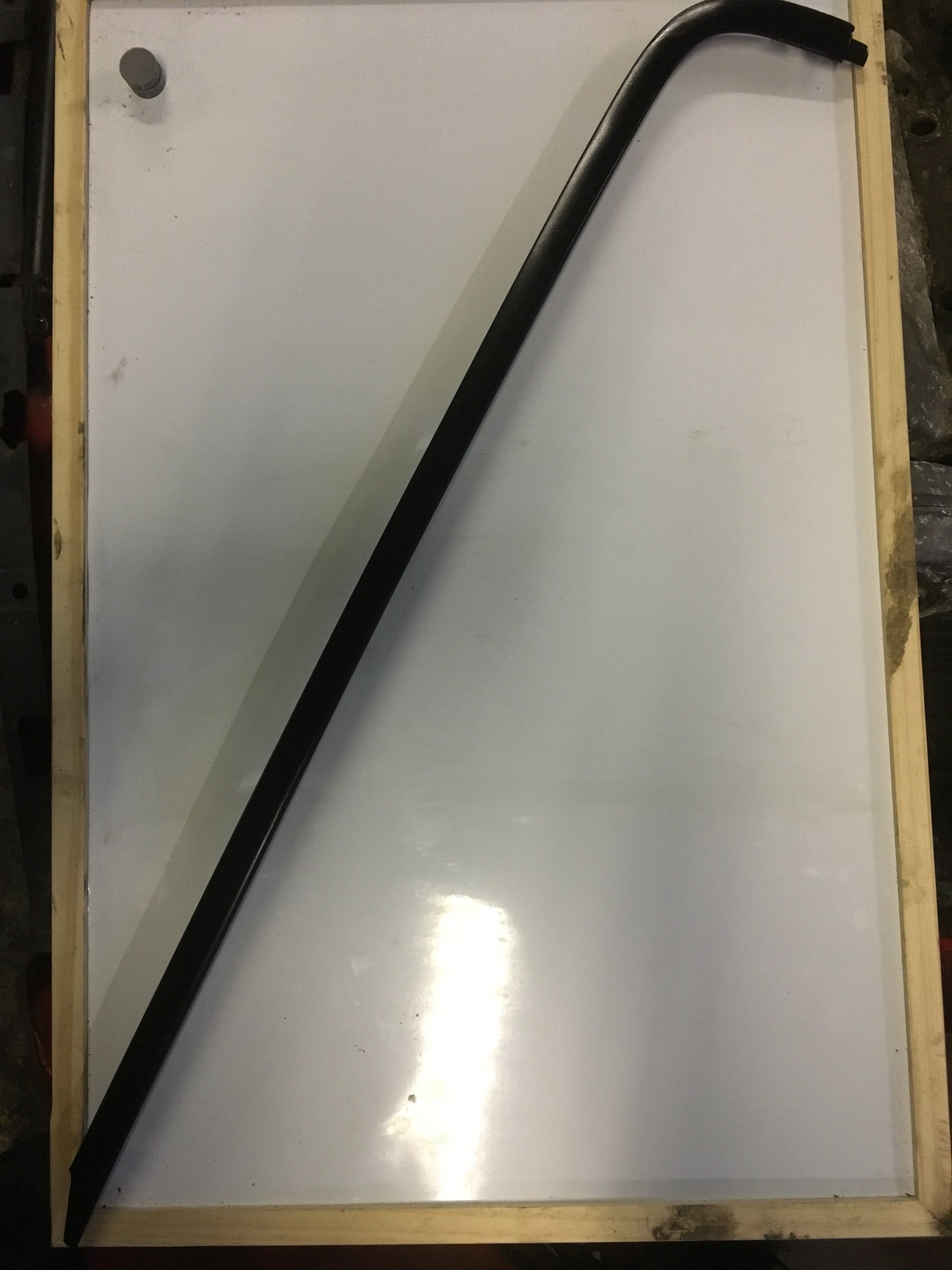 Porsche 924 944 1978-1986 windscreen trim (aluminium molding) right 477 853 020 - Woolies Workshop - Porsche 924 944 spares