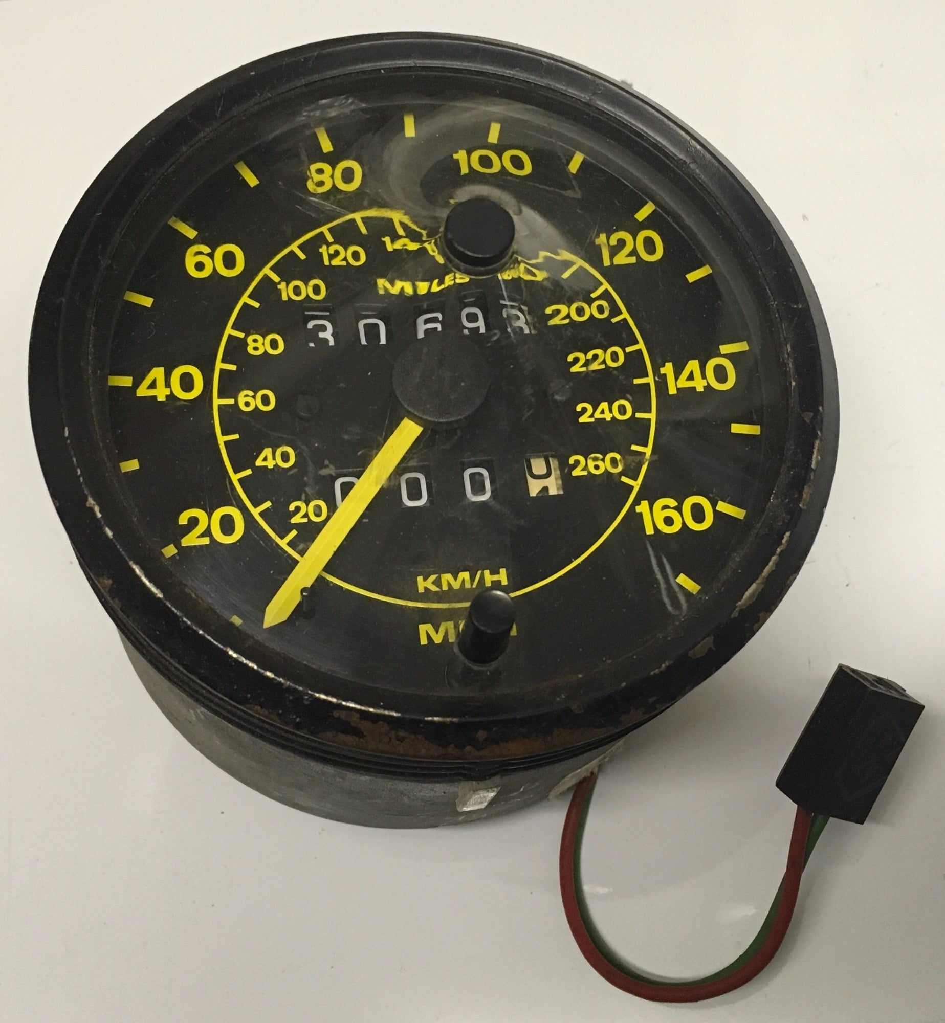 Porsche 944 speedometer showing 30693 miles. Pt No, 94464103600  ((ref green 4)) - Woolies Workshop - Porsche 924 944 spares