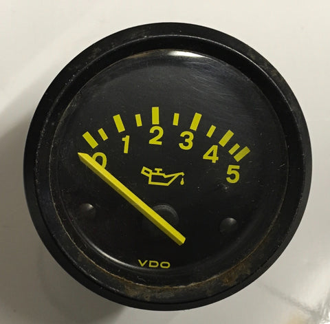 Porsche 944 2.5 oil pressure gauge 5 bar. 94464111700. 944 641 117 00. (( ref green 4))