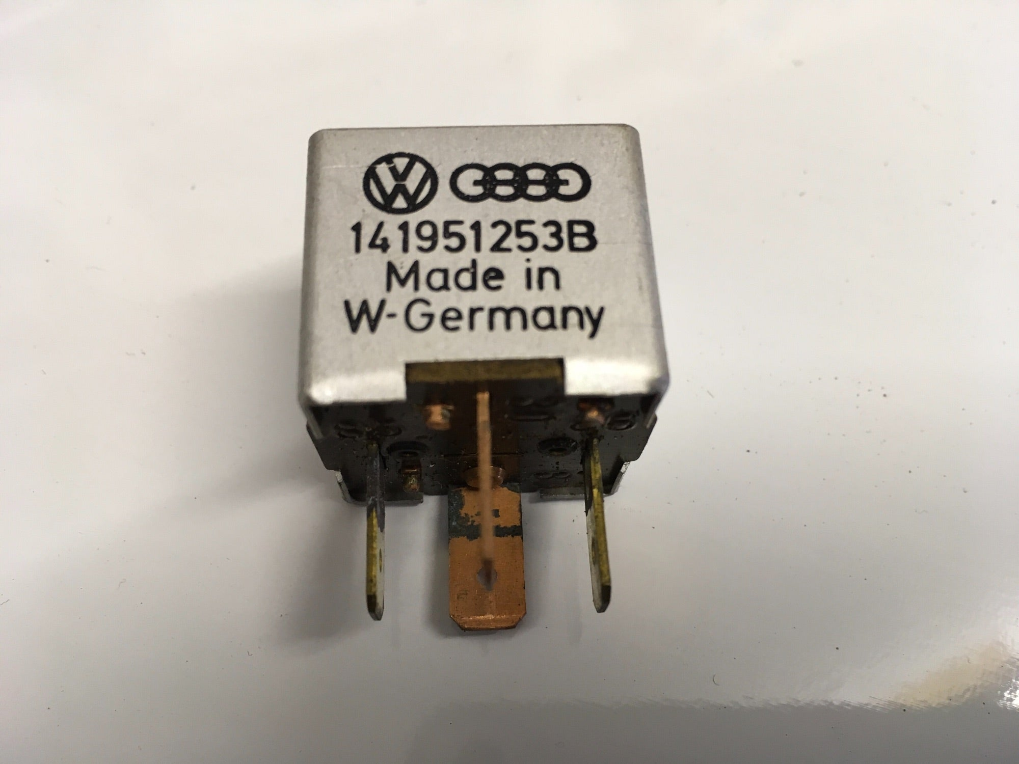 Porsche 944/924/928 Relay. Various uses 141951253B. 141 951 253 B All years. (LB173) - Woolies Workshop - Porsche 924 944 spares