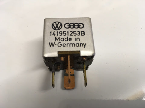Porsche 944/924S Sunroof Relay 431951253D. 1984-88