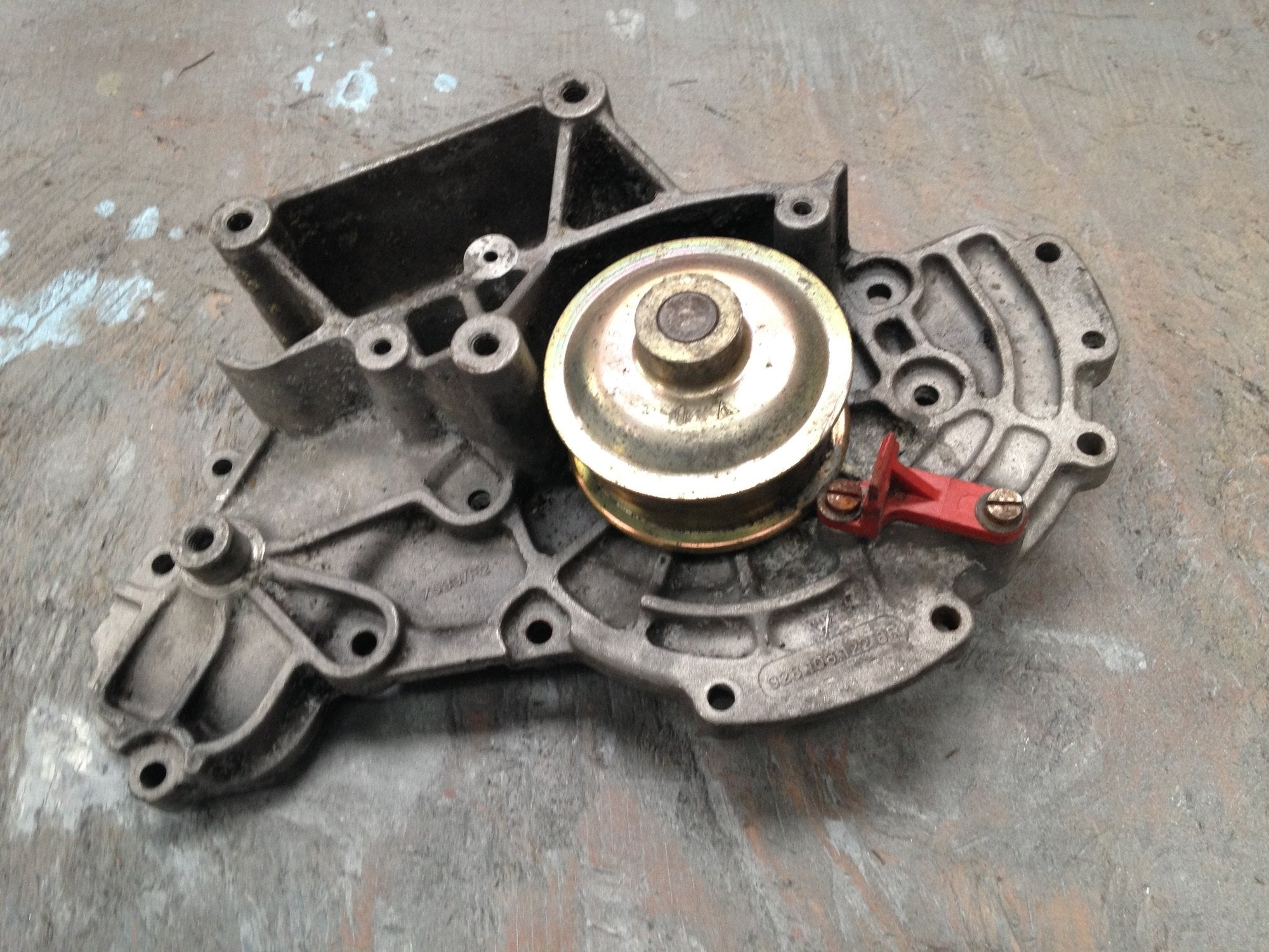 Porsche 928 water pump 928 106 122 8r - Woolies Workshop - Porsche 924 944 spares