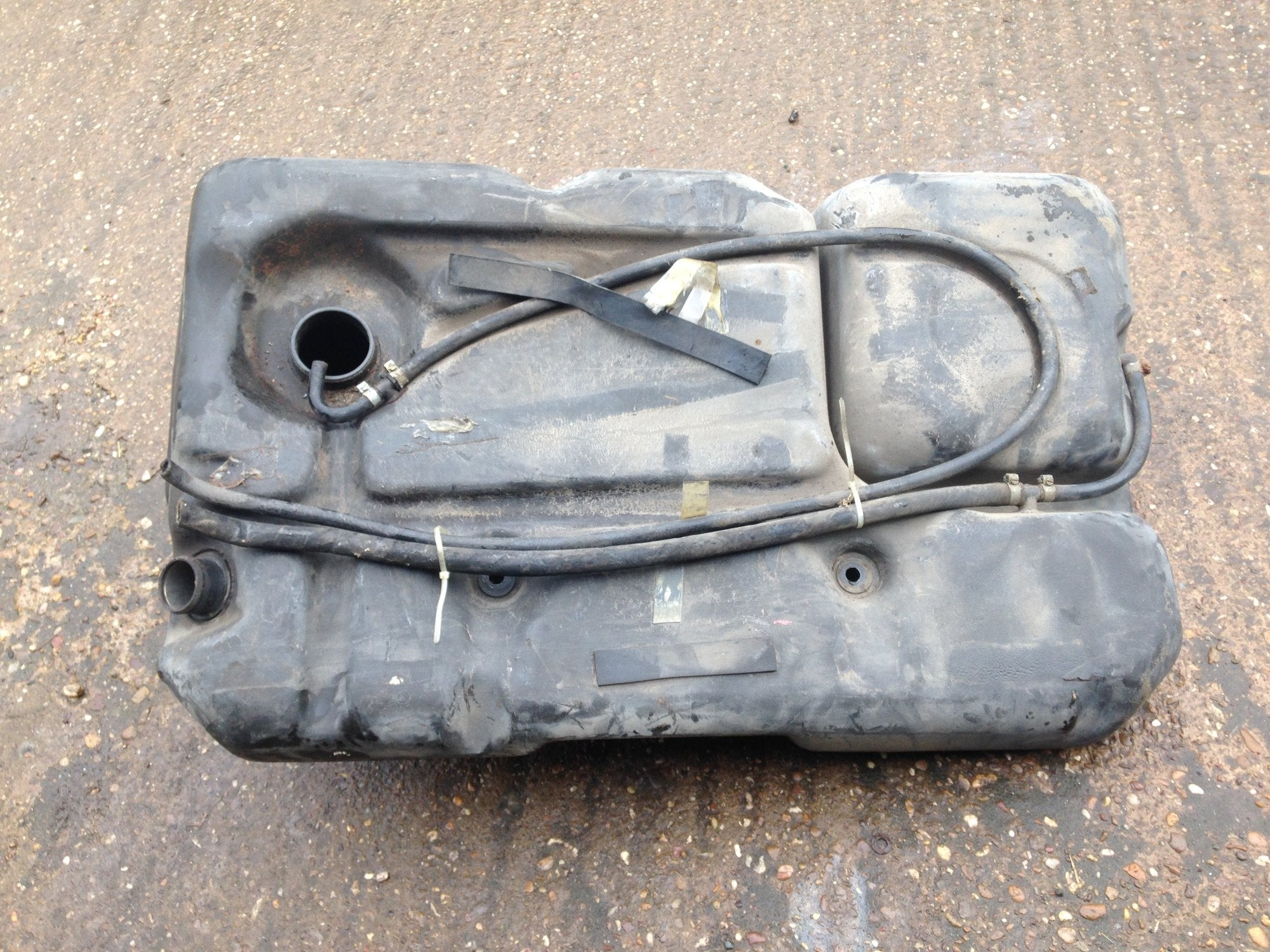 Porsche 944 86-92 plastic  fuel tank 951 201 021 01 (T/oak) USED - Woolies Workshop - Porsche 924 944 spares