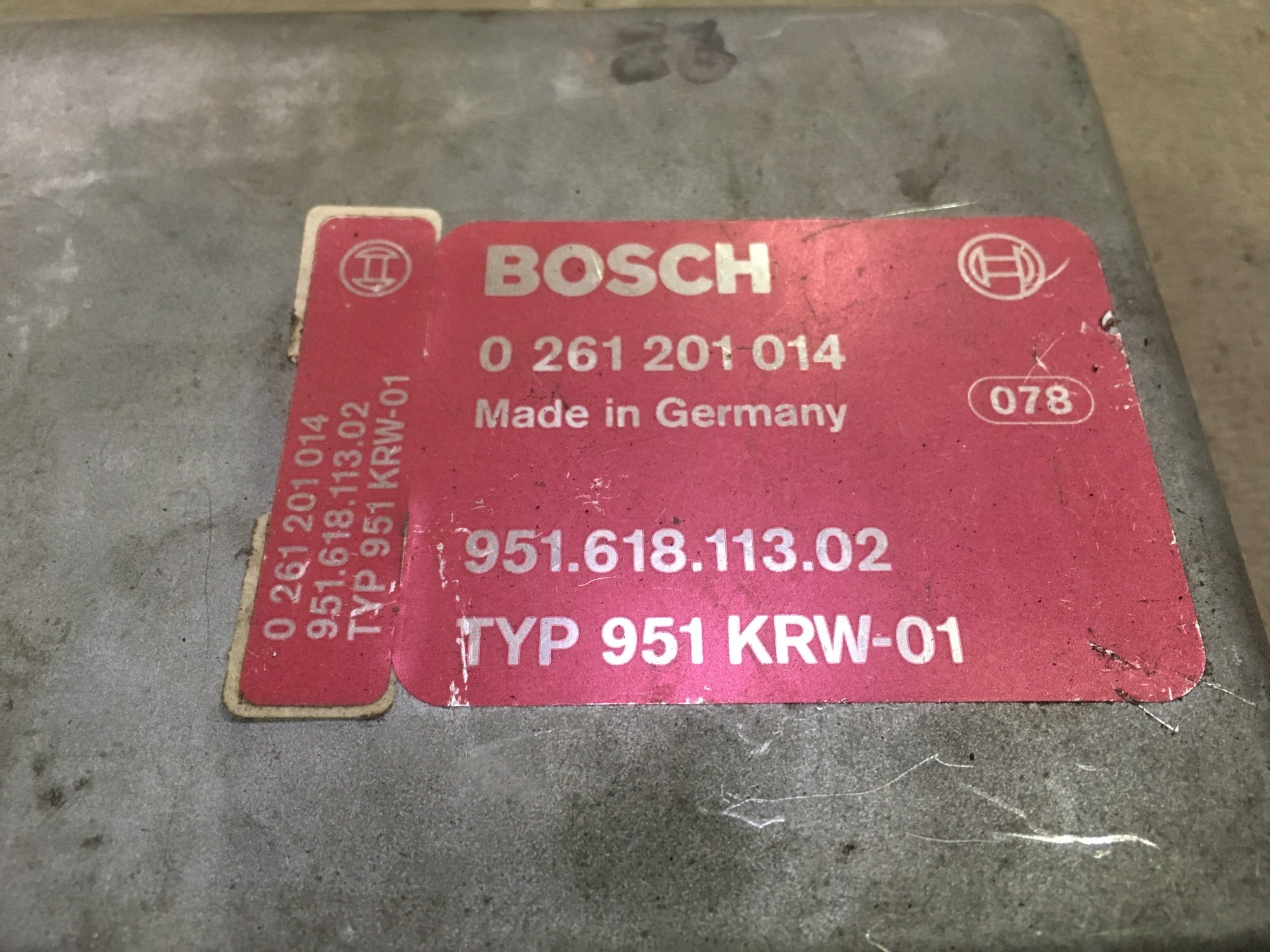 Porsche 944 Turbo Anti Knock Control Unit - 951 618 113 02 Bosch 0 261 201 14 - Woolies Workshop - Porsche 924 944 spares