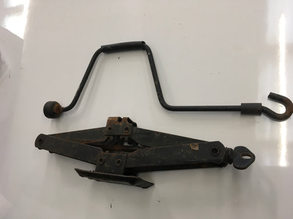 Porsche 924/944/ 944 turbo steel jack & handle . (No 10) ((B5)) - Woolies Workshop - Porsche 924 944 spares