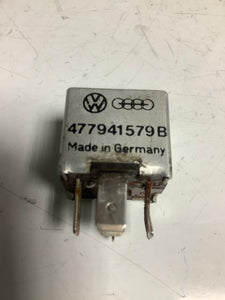 Porsche 924/944 headlight relay 477941579b. 477 941 579 b. ((LB202A) - Woolies Workshop - Porsche 924 944 spares