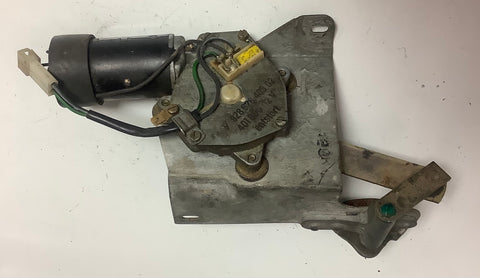 PORSCHE 928. REAR WIPER MOTOR. 92862840302. (Green 12). - Woolies Workshop - Porsche 924 944 spares