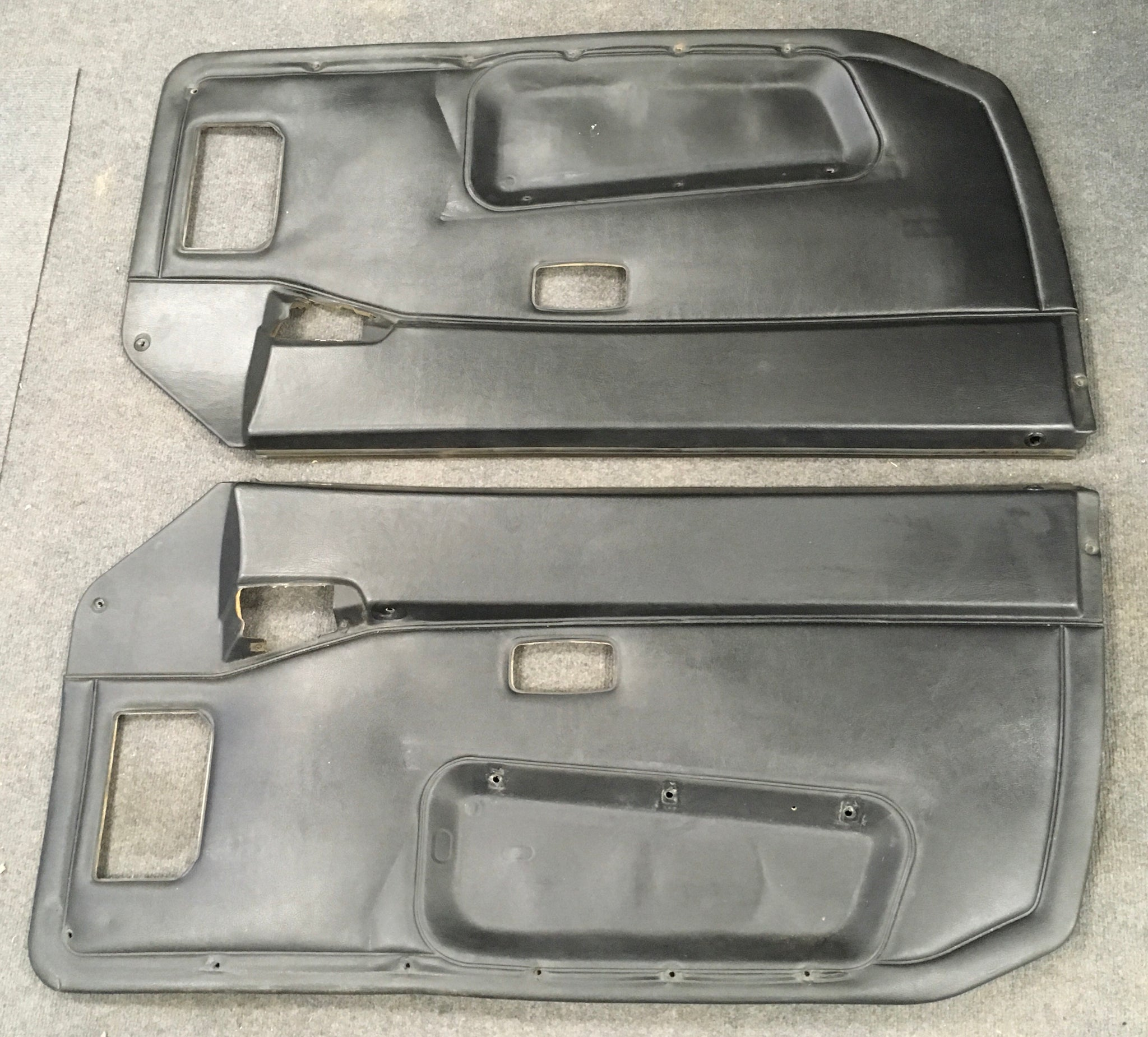 Porsche 944 black door cards (late 1986 on oval dash cars). ((Ref 6)) - Woolies Workshop - Porsche 924 944 spares