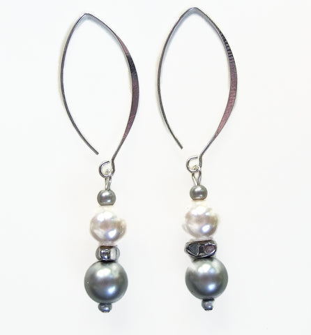 Pearl and Hematite Two-tone Earring - 20128ER