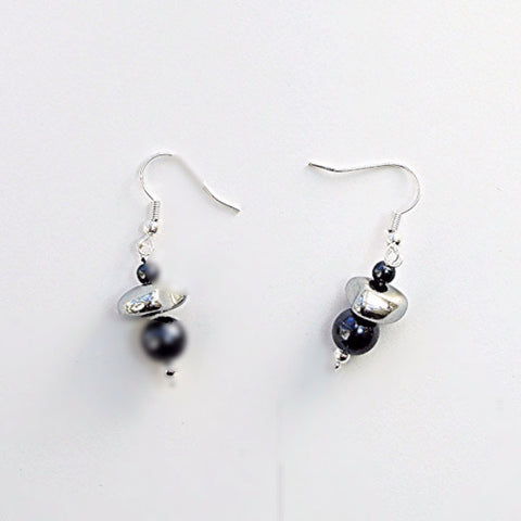 Grey pearl and hematite earrings - M17045er
