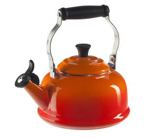 Le Creuset Whistling Kettle 1.7L - Flame