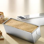 Load image into Gallery viewer, USA Pan Pullman Loaf with Cover 13x4x4""