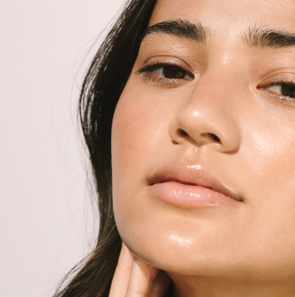 How To Balance Your Skin's Natural Oil & Water Levels
