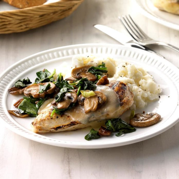 Organic Breast of Chicken Swimming in Mushrooms, Spinach and Cauliflower Rice and Iris' original and very special Vegan & Paleo Compliant Cashew Mushroom Creamy Veggie Sauce.