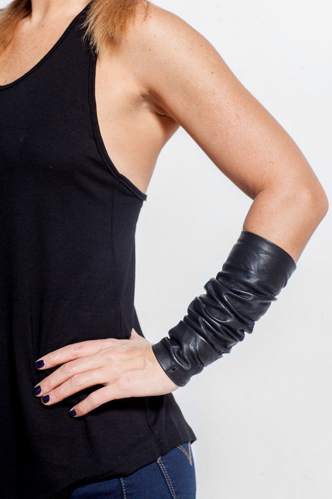The Baili Leather Cuff