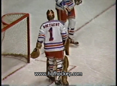 February 12, 1981 Winnipeg Jets - 6 @ New York Rangers - 8 Doug Soetaert