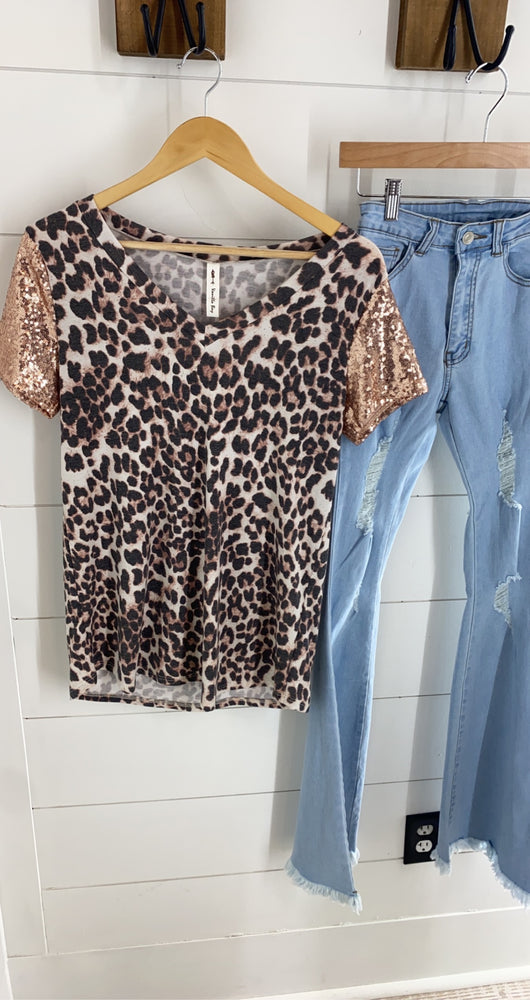 Luxe Leopard V Neck