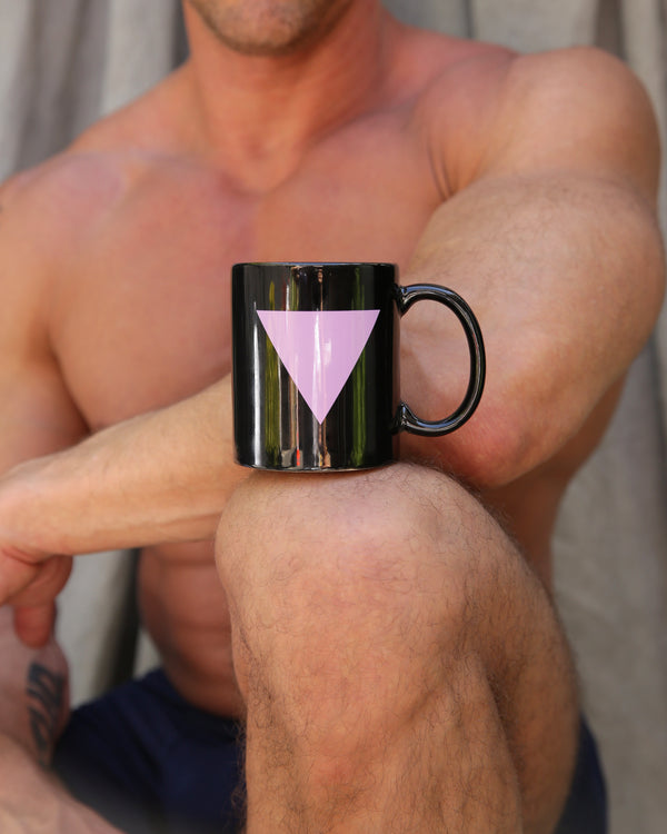 Pink triangle mug in black