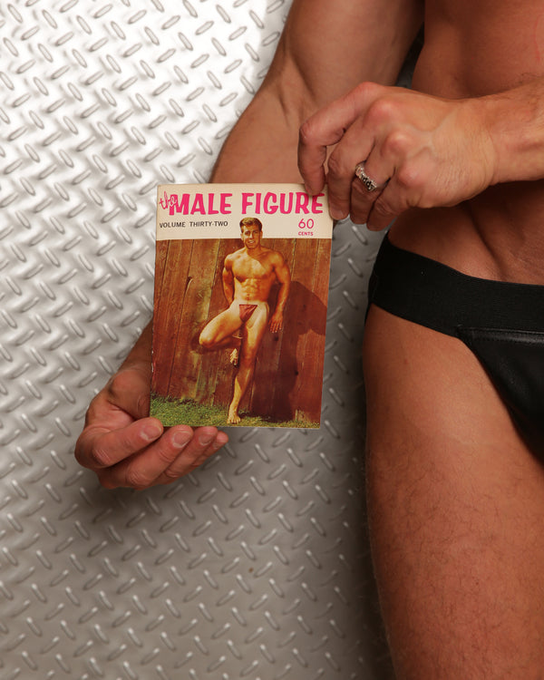 The Male Figure Volume 32