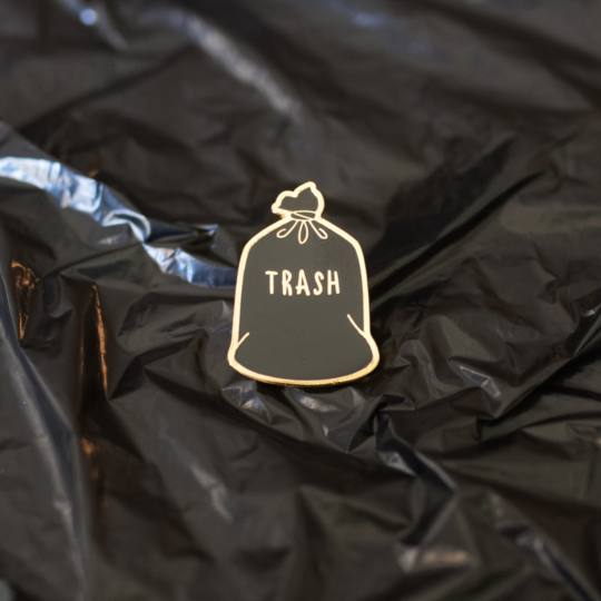 Trash Pin by Gaypin'