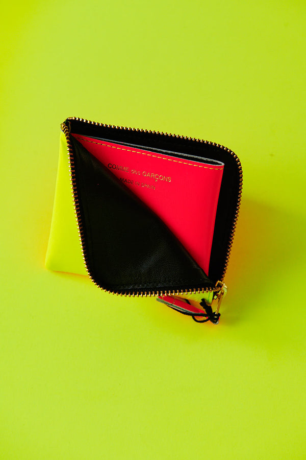 COMME DES GARÇONS SUPER FLUO YELLOW / ORANGE HALF ZIP SMALL WALLET