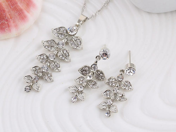 Luxurious Leaf Zirconia Necklace & Earrings Set