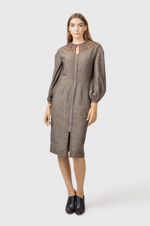 Fitted dress with pockets - AGAATI