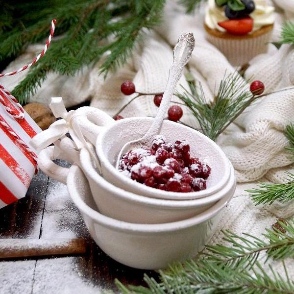 Meet Me Under the Mistletoe - Frosted Cranberry