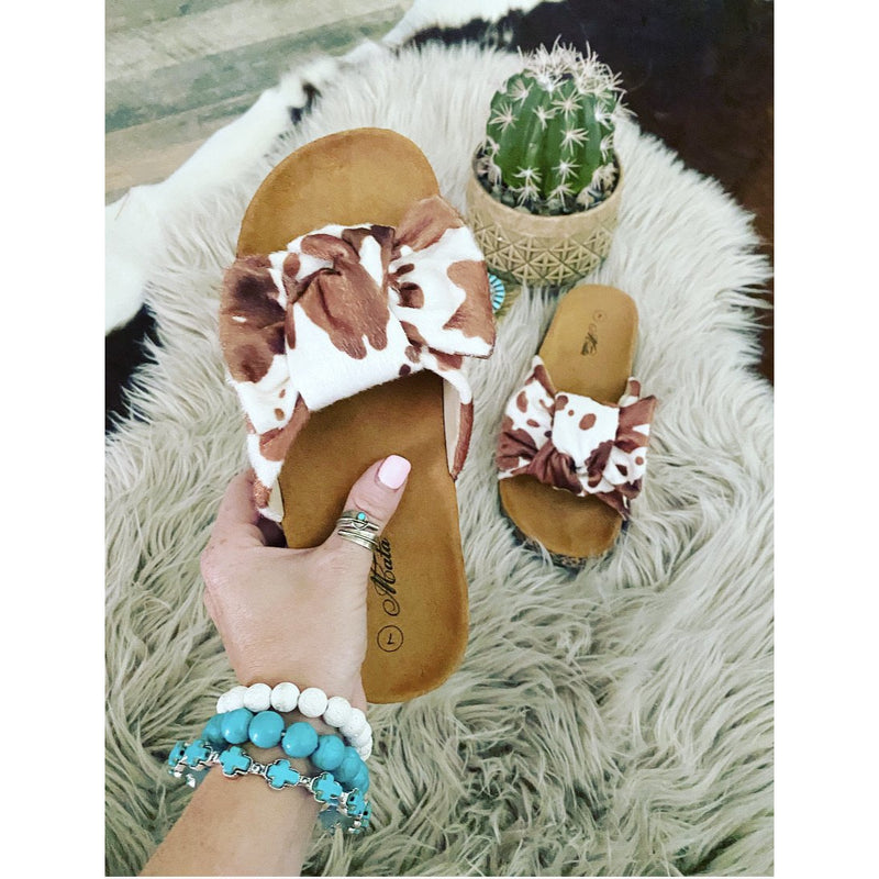 Miss Bessie Extra Bow Sandal (caramel)