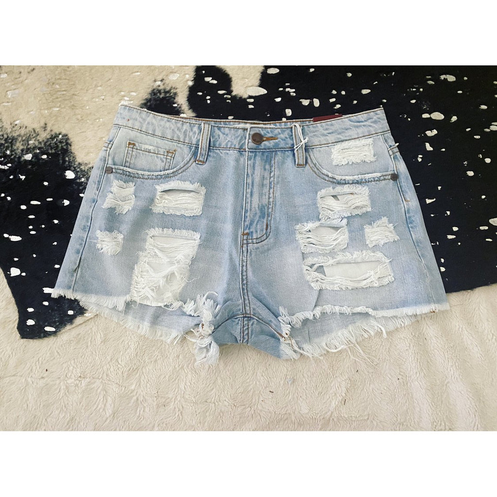 Darlin' Distressed Shorts (light- N)