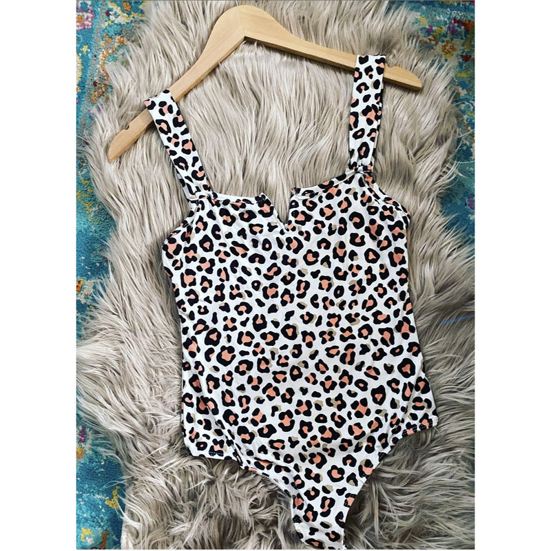 Square V- Bodysuit (new leopard on the block)