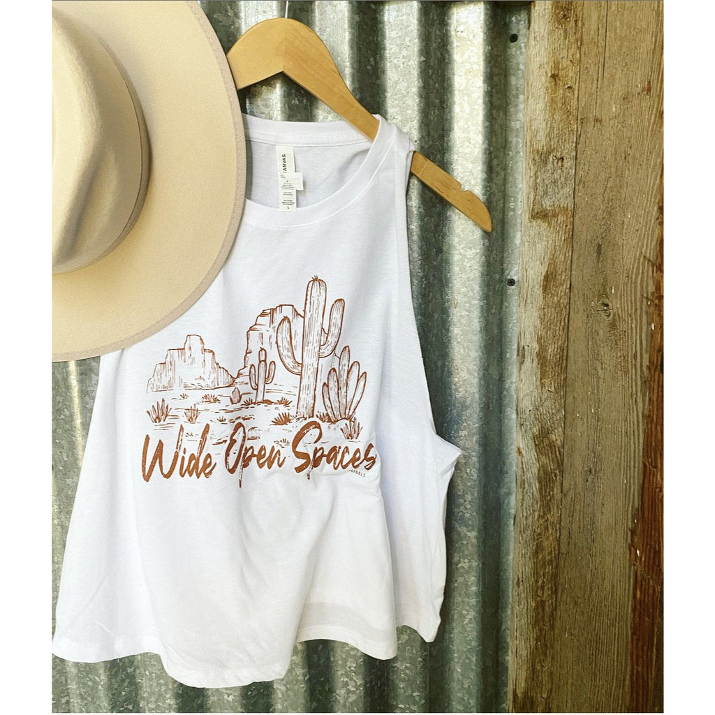 Wide Open Spaces Cropped Tank