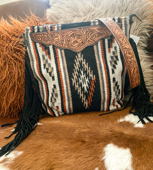 The Black Tundra River Saddle Blanket Purse (BLACK)