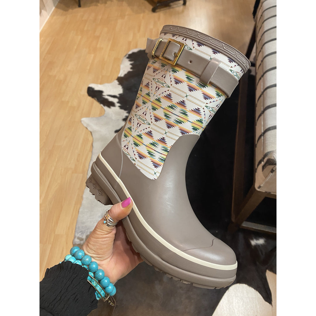 Mama Tried y'all Southwest Pendleton Rain boots Fallon Cove.