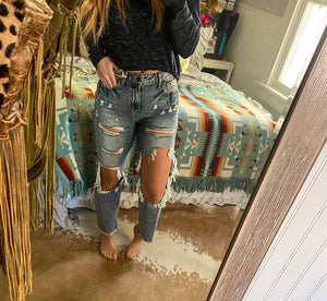 Denim Darlin Mama Tried Boyfriend Distressed Jeans ((shipping 2/13/2020))