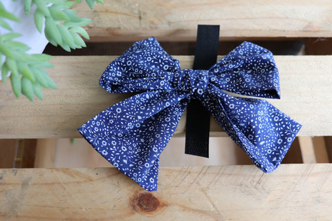 Navy Floral Pussycat Bow