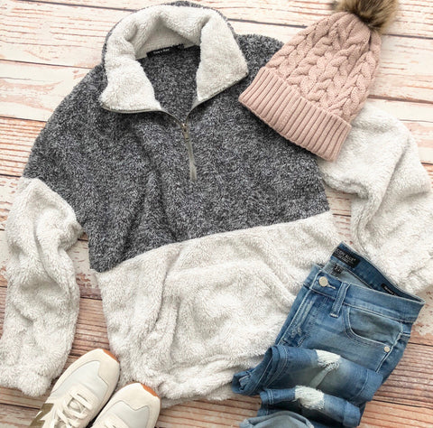 Snow Day Pullover In Charcoal