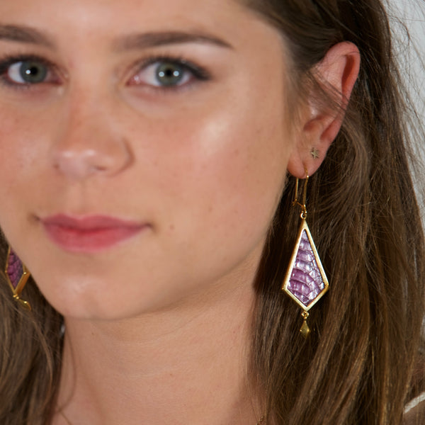 GOLD-PLATED Diamond Shape Earrings Fucsia Leather