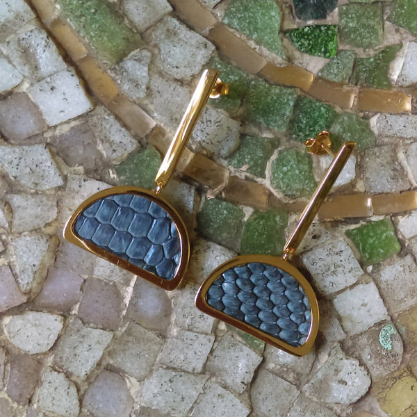 Half-Moon Earrings Gold / Blue Greyish