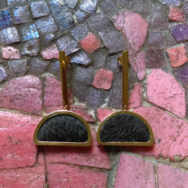 GOLD-PLATED Half Moon Shape Earrings Black Fur