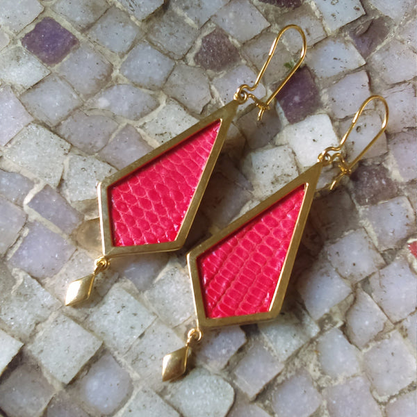 GOLD-PLATED Diamond Shape Earring Red Leather